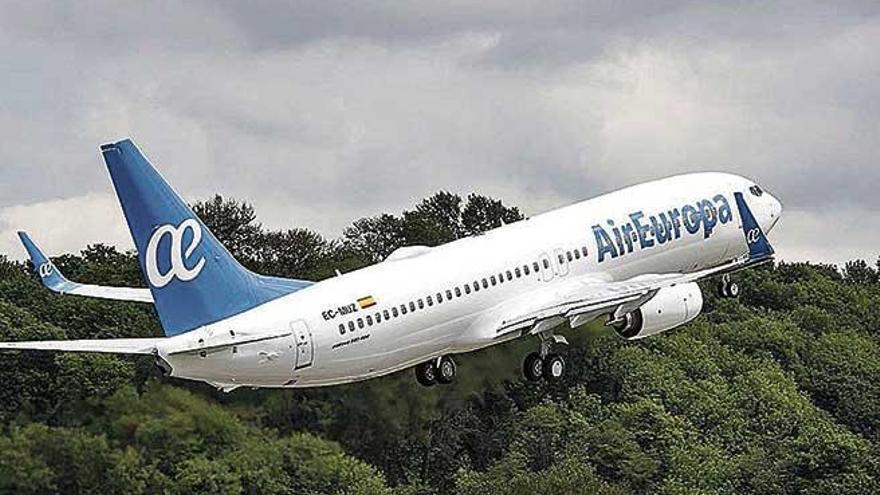 Denuncian las trabas que ponen las aerolíneas para recuperar el dinero