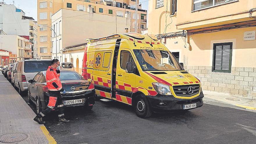 Herido grave un joven tras precipitarse de un cuarto piso en Palma
