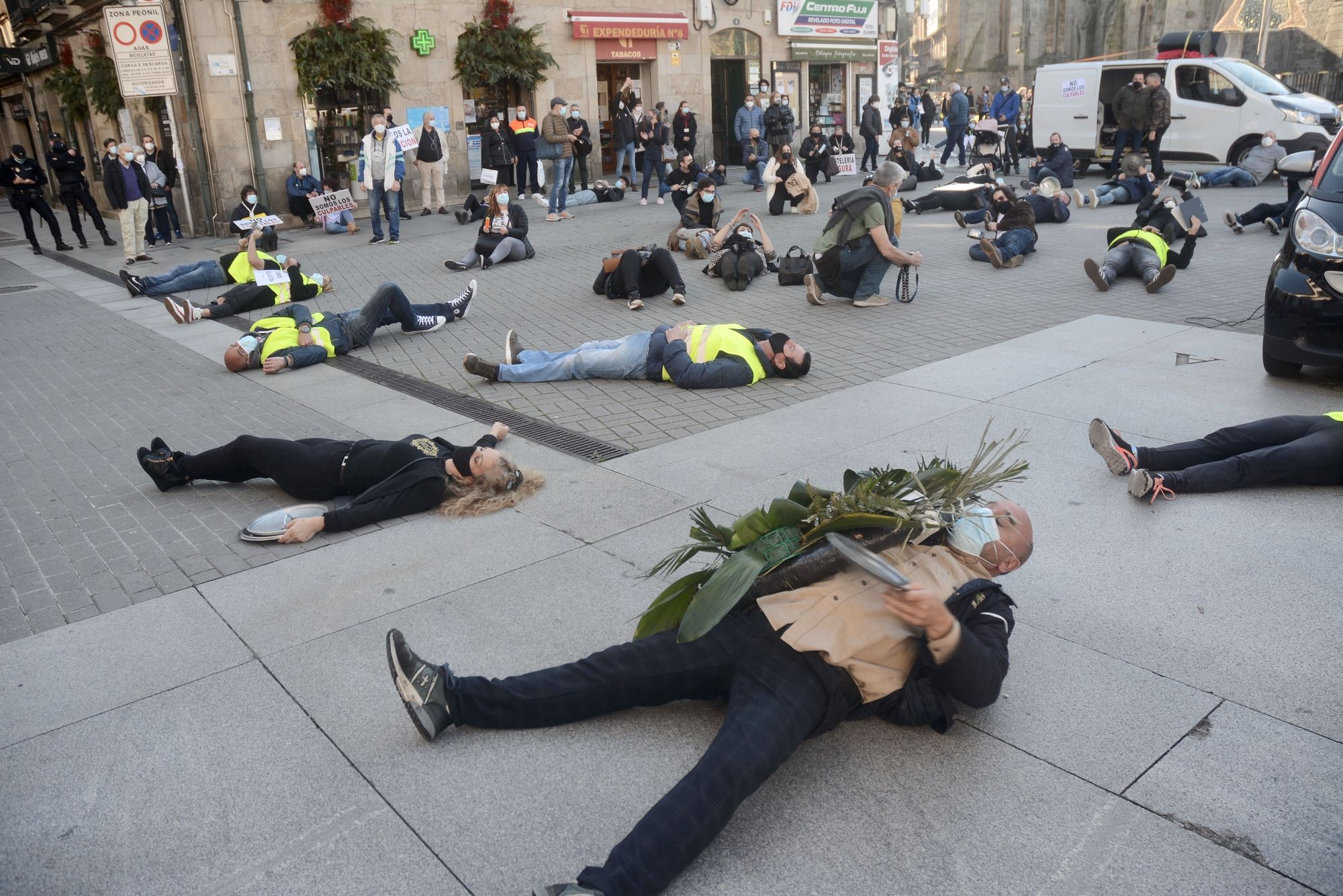 Los hosteleros se manifiestan en Pontevedra.