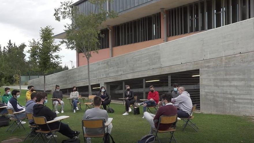 El Campus de Alcoy de la UPV imparte algunas clases en el exterior