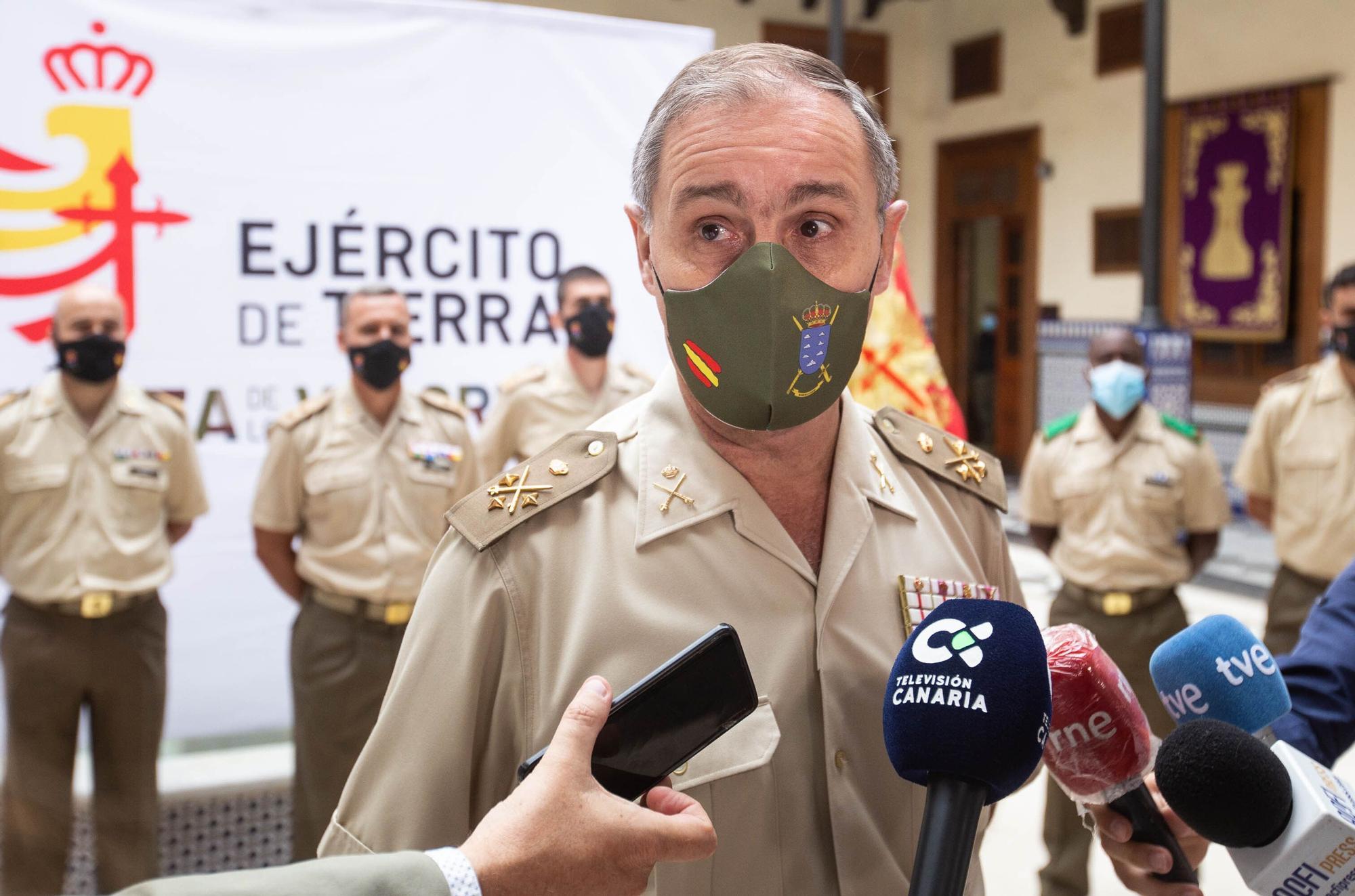 Firma del acuerdo entre el Ministerio de Defensa y el Ayuntamiento de Santa Cruz para prestar el puente Bailey en San Andrés