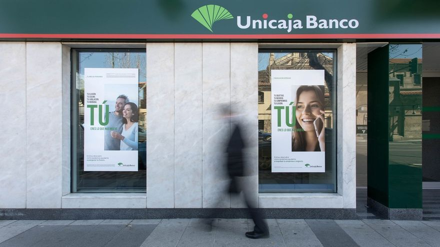 Unicaja se centra en la armonización laboral en su cita con los sindicatos sin dar más datos del ERE