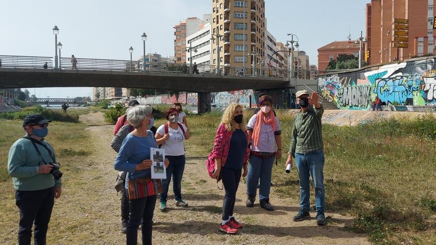 """IU y Podemos defienden un proyecto verde para el Guadalmedina frente """"al gris de la cubierta de hormigón"""""""
