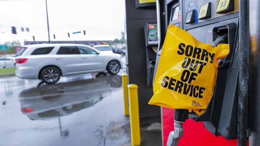 La escasez de combustible se agudiza en el sur de Estados Unidos por un ciberataque a la red de oleoductos
