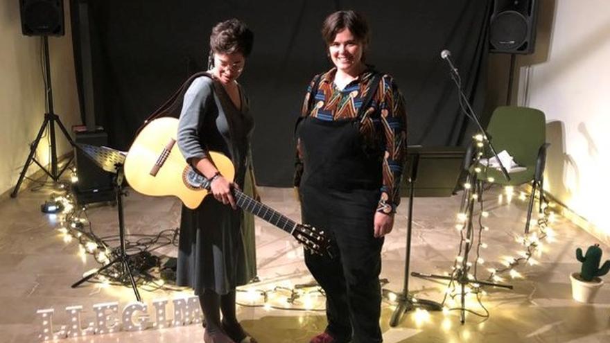 Som tantíssimes: Maria Antònia Salvà amb les donzelles del nou segle