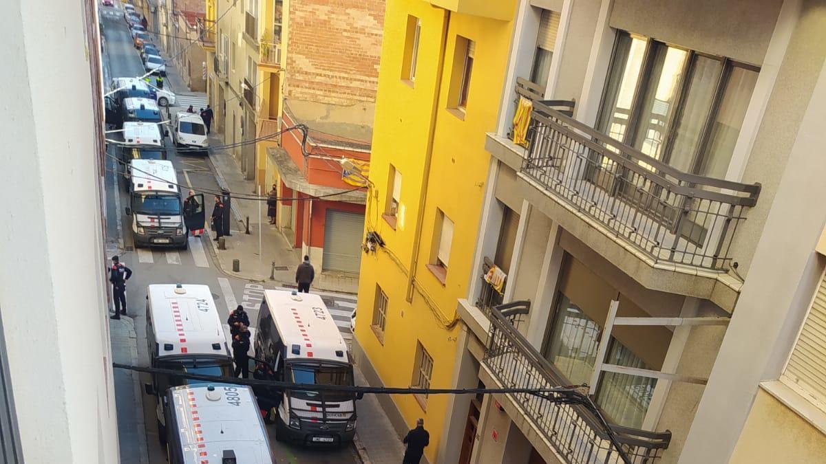 Els Mossos han desplaçat 8 furgonetes per realitzar el dispositiu.