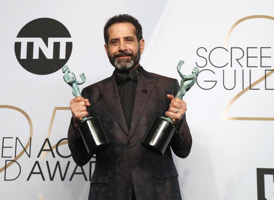 """Premios del Sindicato de Actores: Tony Shalhoub, con los premios al mejor actor y como miembro del mejor reparto por la serie """"La maravillosa sra. Maisel"""""""