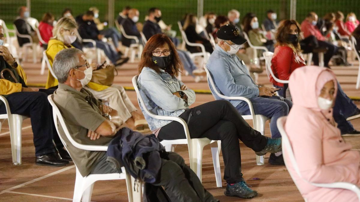 Público el año pasado en un concierto en Las Meanas.