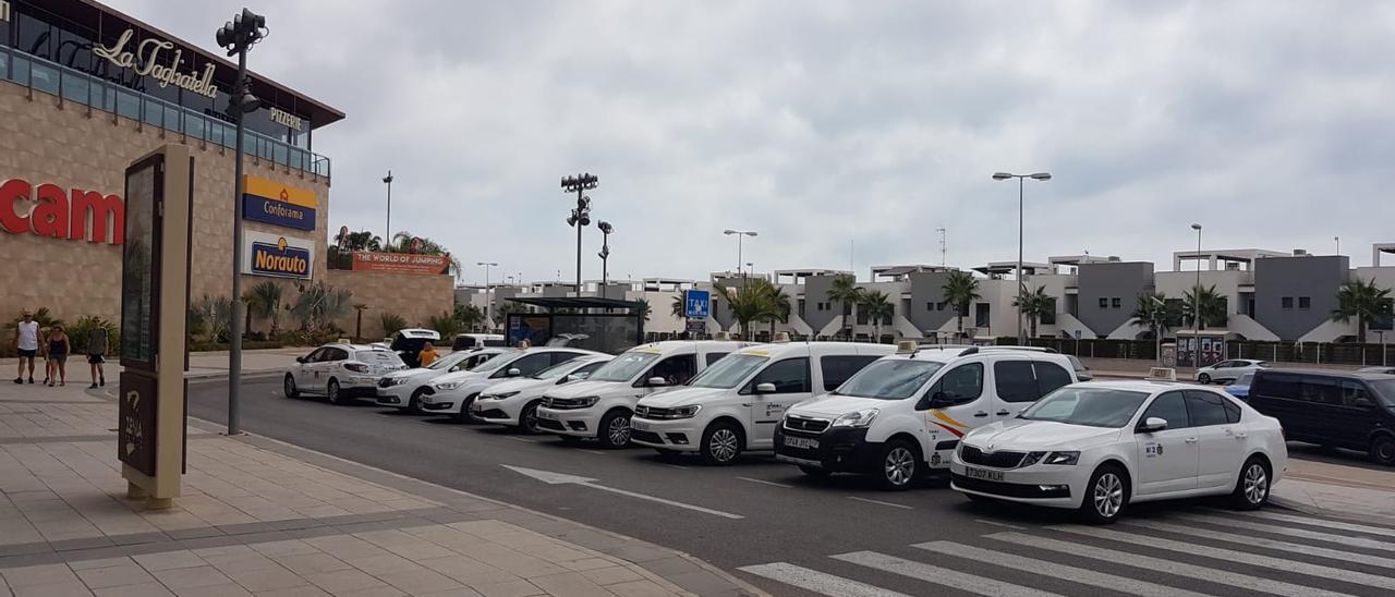 Orihuela paga el taxi a los turistas para que asistan a sus eventos