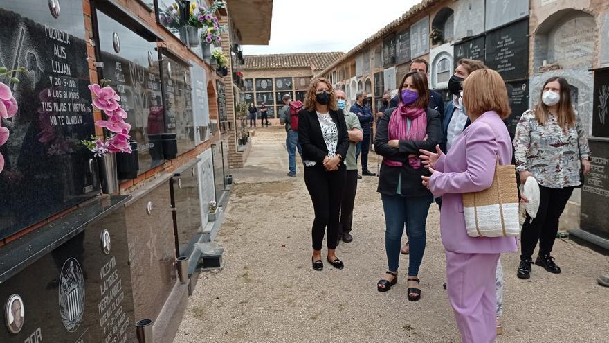 La consellera Pérez Garijo participa en el homenaje a víctimas de la Guerra Civil en la Hoya de Buñol