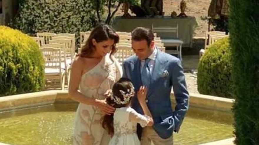 Se filtra todo lo que ocurrió en la comunión de la hija de Enrique Ponce y Paloma Cuevas