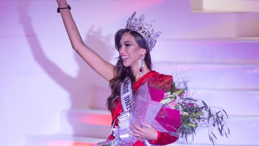 Andrea Martínez, Miss Universe Spain 2020, luce palmito en Tenerife
