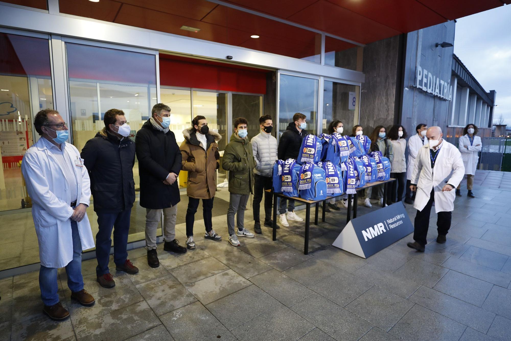 La entrega de regalos del Oviedo