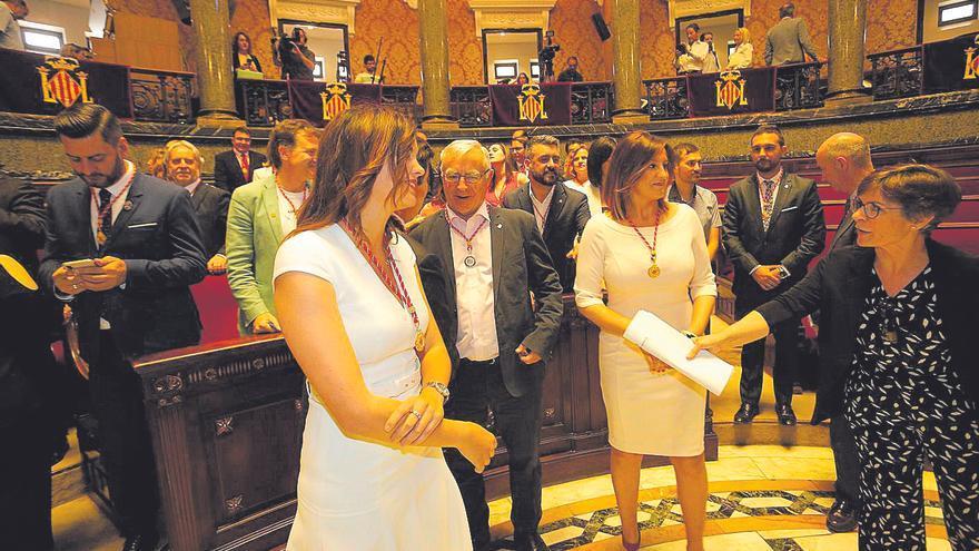 Ribó i M. José Català s'embranquen en una discussió per l'alcaldia honorària a Rita Barberá