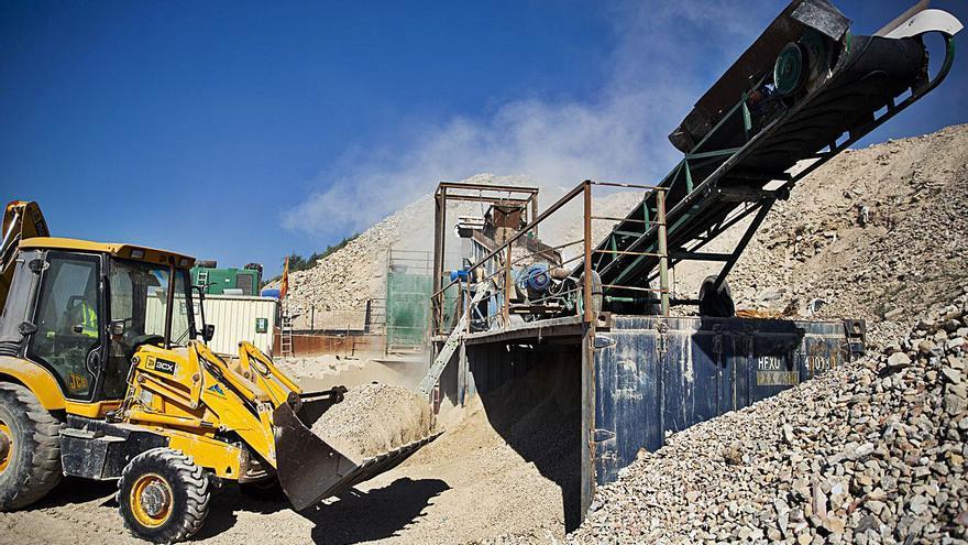 Un juez investigará al edil de Urbanismo de Alicante por el cierre de una planta de residuos