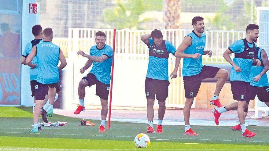 El Villarreal 'blinda' al primer equipo con vistas al futuro