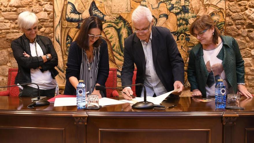 La Academia y Marineda City difundirán la figura y obra de Emilia Pardo Bazán