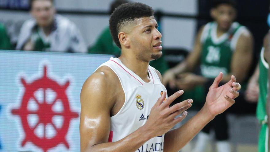 Tavares alimenta la recuperación del Real Madrid ante el San Pablo Burgos