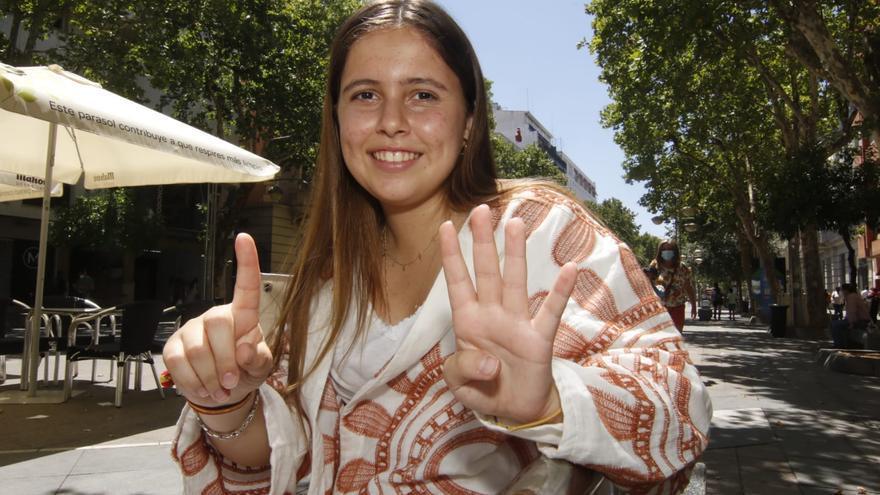 Una alumna de El Encinar y otra del IES Nuevas Poblaciones de La Carlota, mejores notas de Selectividad