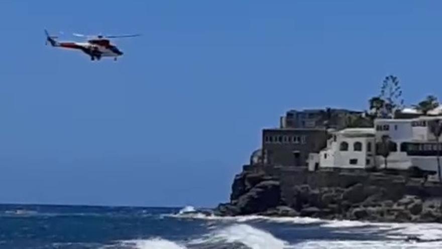 Rescate de dos bañistas en Gran Canaria