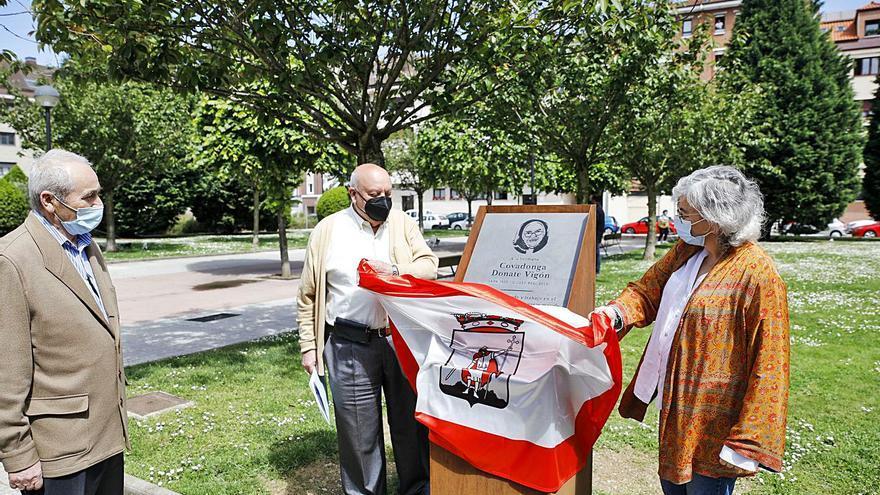 Así fue el homenaje de El Natahoyo a la hermana Covadonga: una placa y mucha emoción