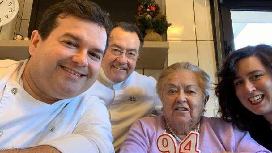 Geles, la abuela de les fabes, cumple 94 años en Prendes