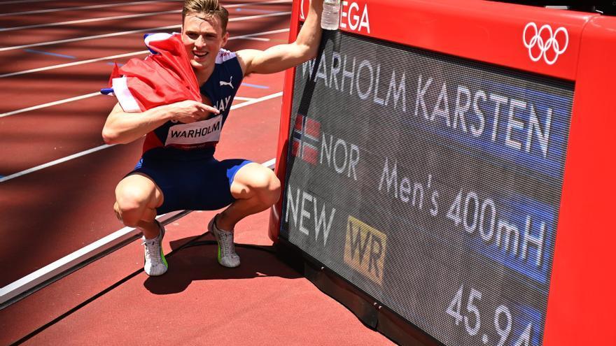 El noruego Warholm, oro y récord del mundo en 400 metros vallas