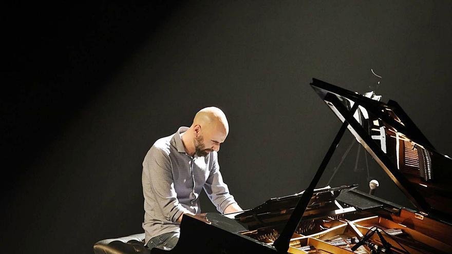 César Latorre rejuvenece el jazz en Gijón