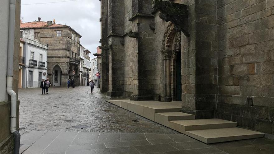 Mellora da accesibilidade � igrexa de San Marti�o de Noia, 2.jpg