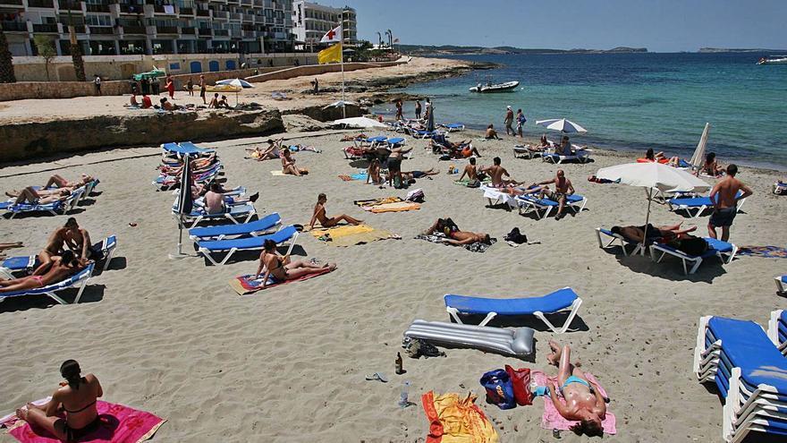 PSOE-Reinicia reclama que es Caló des Moro sea una playa libre de hamacas