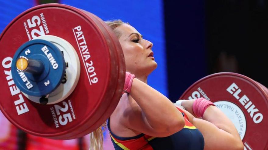 Lydia Valentín remonta para lograr la plata mundial en la categoría de 81 kg