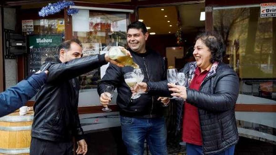 El recuerdo del bar Dólar lleva la suerte a Palamós