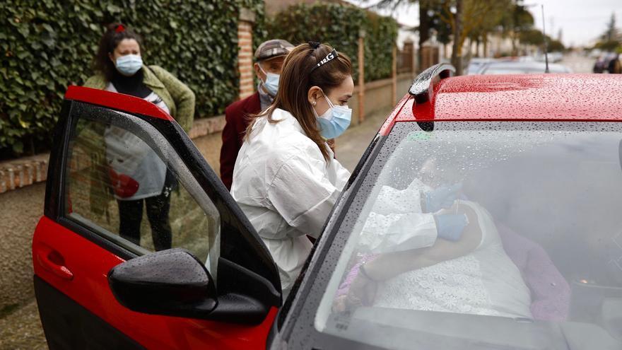Vacunación de grandes dependientes en Villaralbo