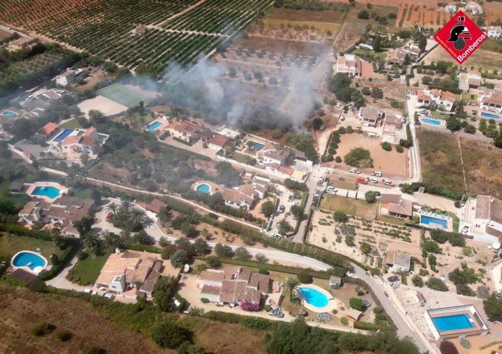 Nuevo incendio en las inmediaciones del Montgó