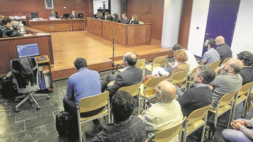 Nueve hosteleros de La Madrila irán a prisión al no lograr los indultos