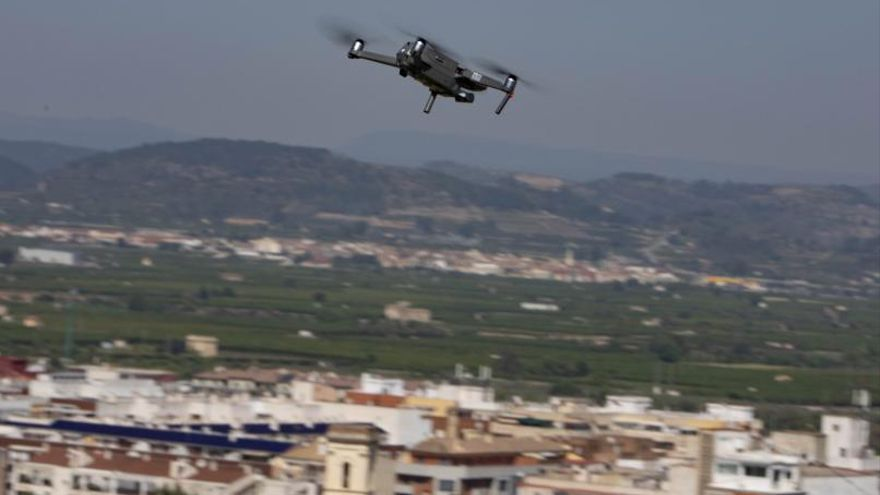 Un dron sobrevuela el casco histórico de Xàtiva y detecta 6 casas en mal estado