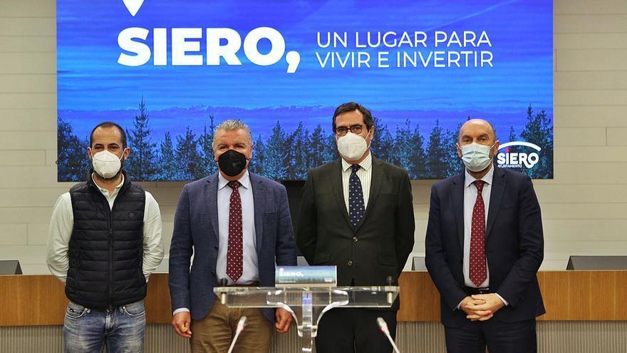 """Garamendi saluda el proyecto de futuro de Siero y lo sitúa como el """"eje de Asturias"""""""
