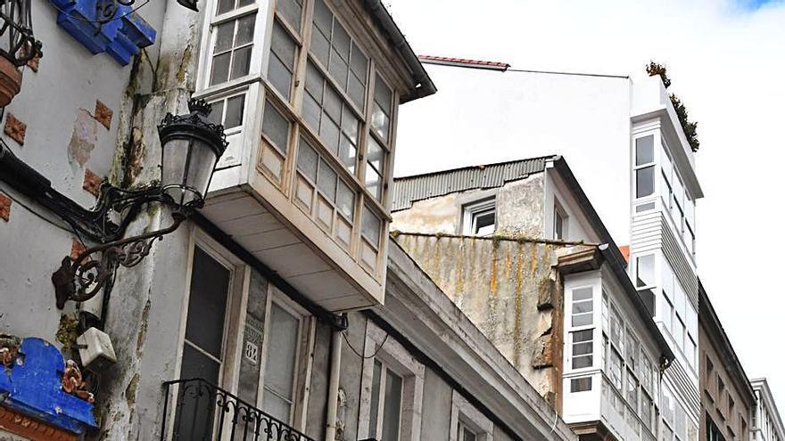 Un inmueble modernista de la plaza de Lugo recuperará elementos originales en el bajo