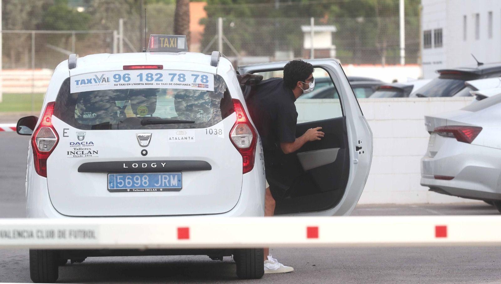 Guedes vuelve a Paterna con su futuro en el aire
