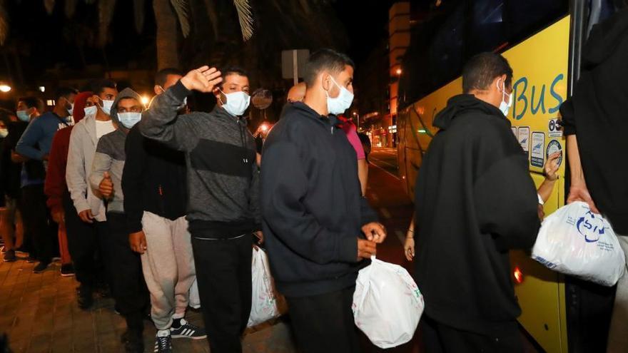 Canarias pide derivar migrantes a otras comunidades