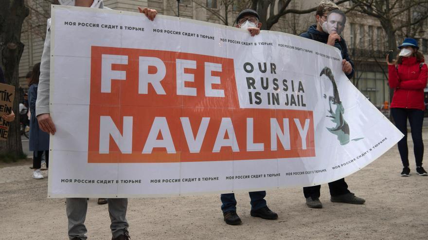 La justicia rusa suspende la actividad de las organizaciones vinculadas a Navalni