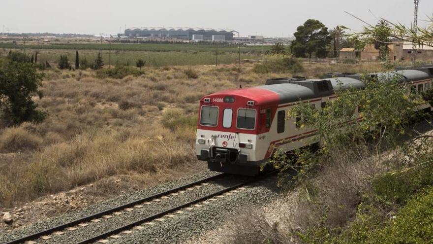 Adif restablece el servicio ferroviario de cercanías entre Alicante y Orihuela tras reparar el tramo Callosa-Beniel