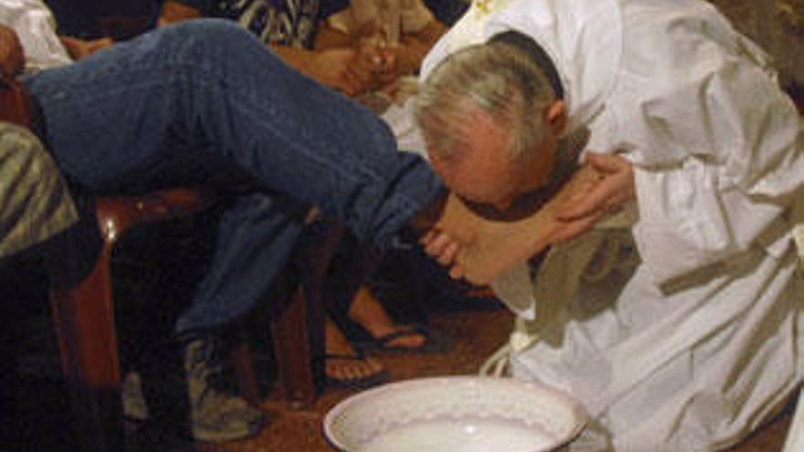 Bergoglio intercedió ante Videla por dos jesuitas