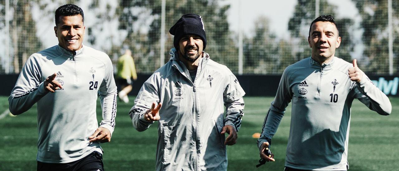 Murillo, Nolito y Aspas, ayer, durante el entrenamiento en Mos