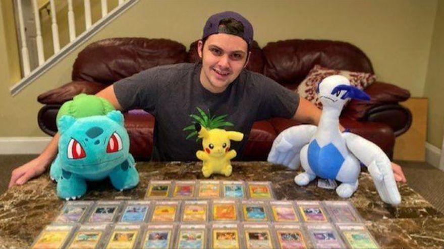 Un estudiante se paga la matrícula de Medicina gracias a la venta de sus cartas 'Pokémon'