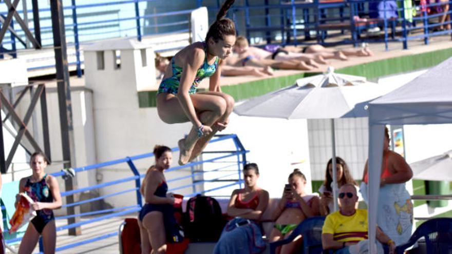 Emma Larcada vuelve a colgarse otra medalla de oro en la Diving Cup