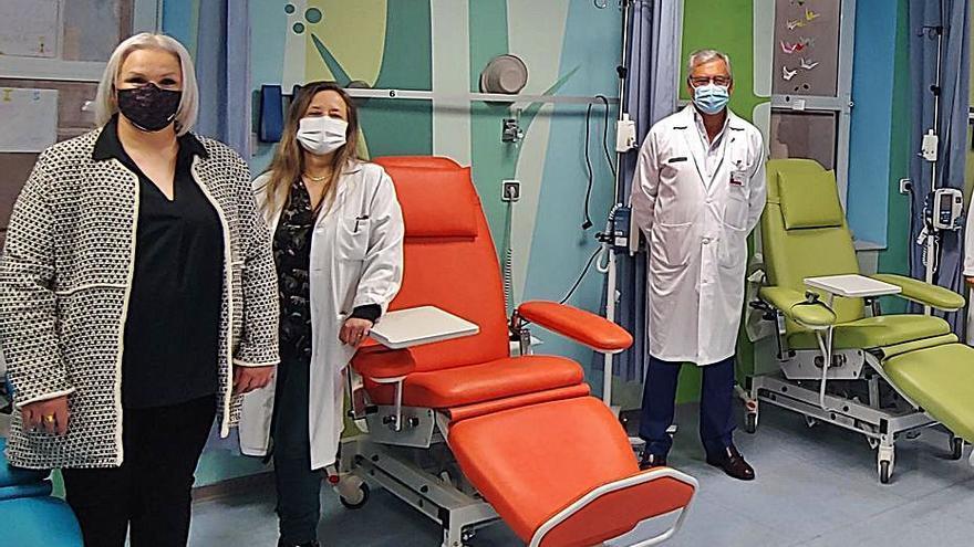 Catorce «sillones molones» de ADOPS para la quimioterapia