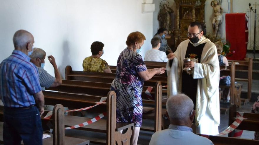 Pedralba de la Pradería celebra con prevenciones la festividad de El Carmen