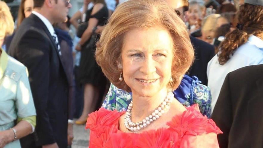 La reina, estoicismo y tristeza