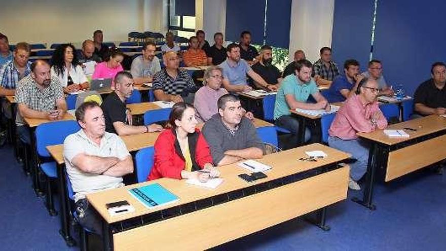 La Federación de Tiro Olímpico forma entrenadores en la Agasp